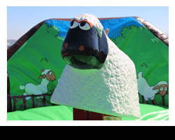 Bugs Bunny Bouncy Castle - click image for next picture